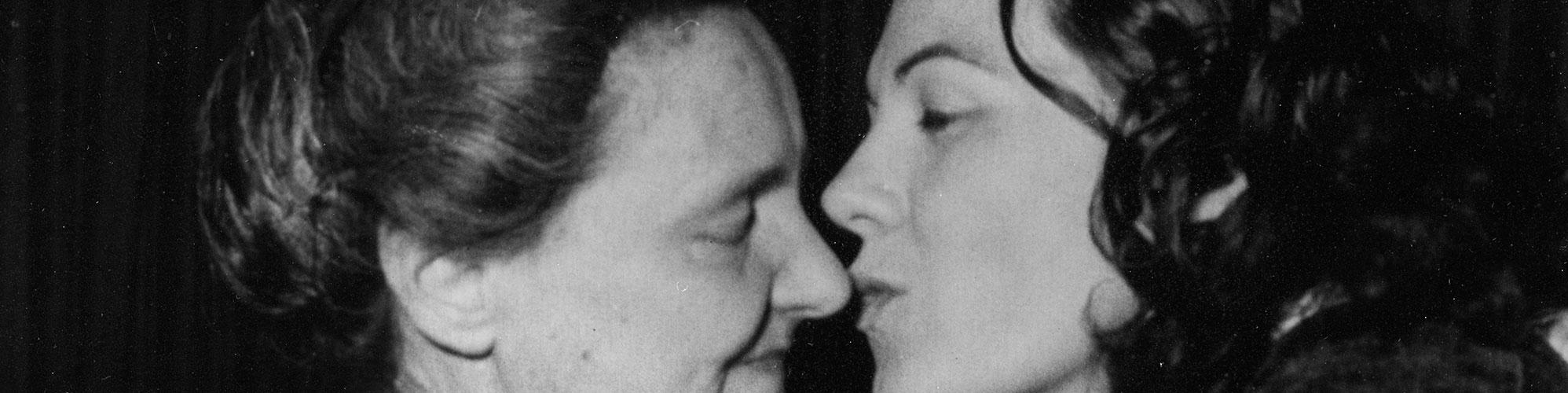 Renata Tebaldi con la mamma, Firenze 1956